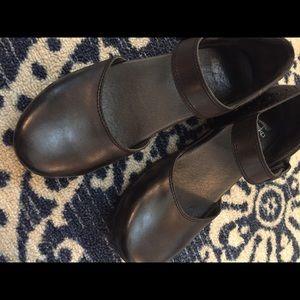 Dansko Mary Jane Black clogs Size 40